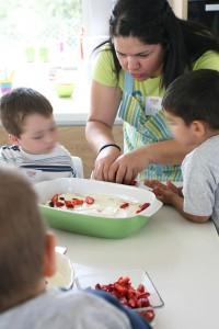 γονείς και παιδιά μαγειρεύουν